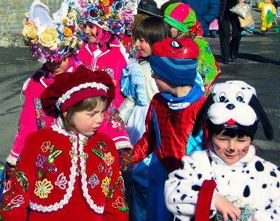 Carnevale low cost tra usato e fai da te for Vestiti usati in regalo
