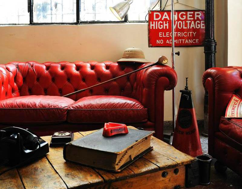 Arredi-in-rosso-in-stile-vintage